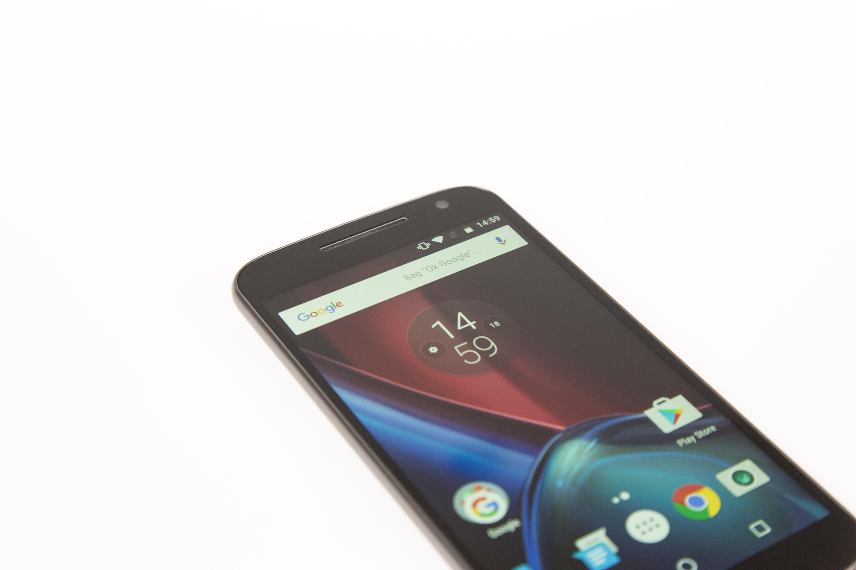 Moto G4 Plus im Hands on: Lenovos sonderbare Entscheidung - Moto G4 Plus mit Full-HD-Display (Bild: Martin Wolf/Golem.de)