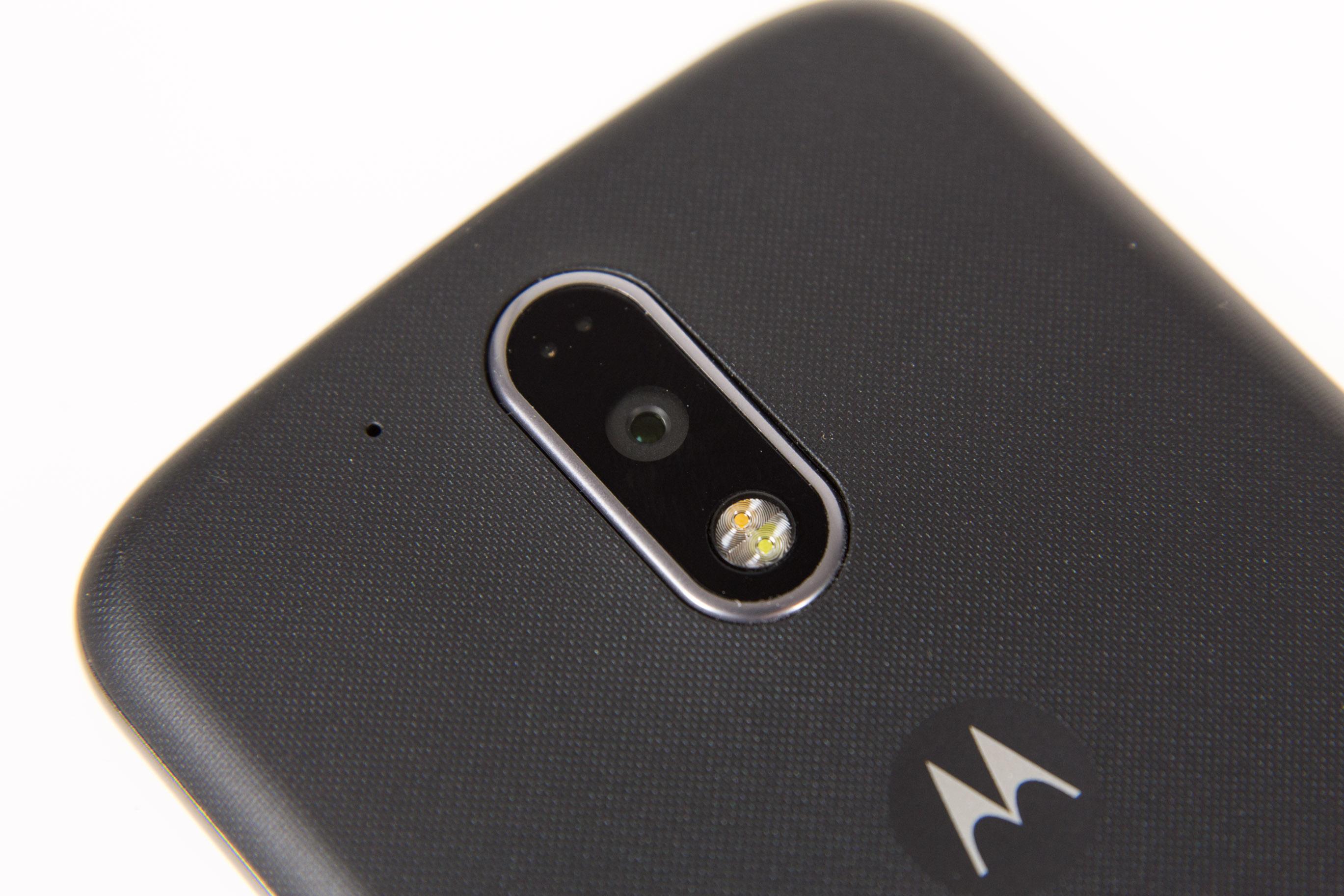 Moto G4 Plus im Hands on: Lenovos sonderbare Entscheidung - Kamera im Moto G4 Plus mit Laser-Autofokus (Bild: Martin Wolf/Golem.de)