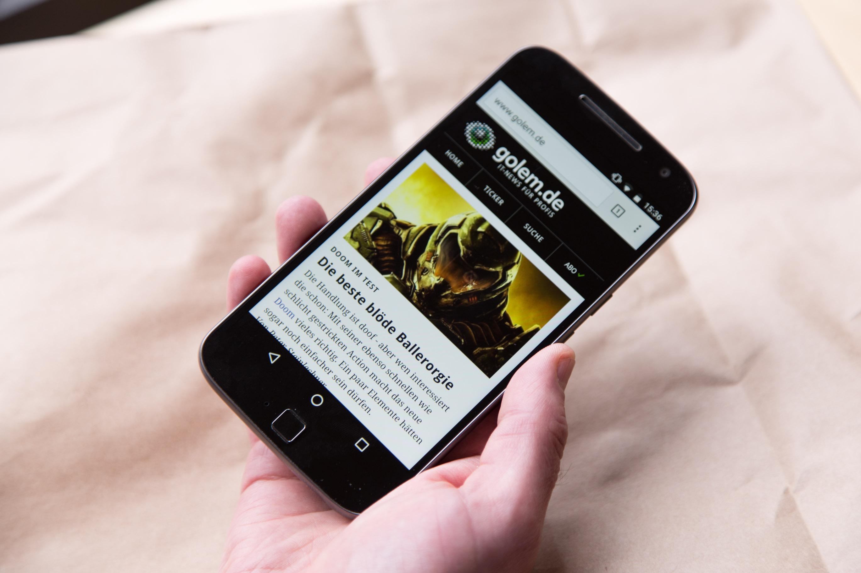 Moto G4 Plus im Hands on: Lenovos sonderbare Entscheidung - Lenovos Moto G4 Plus (Bild: Martin Wolf/Golem.de)