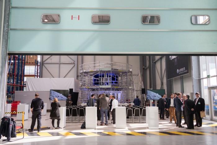 Das Europäische Servicemodul für die Raumkapsel Orion wird derzeit bei Airbus in Bremen montiert. (Foto: Werner Pluta/Golem.de)