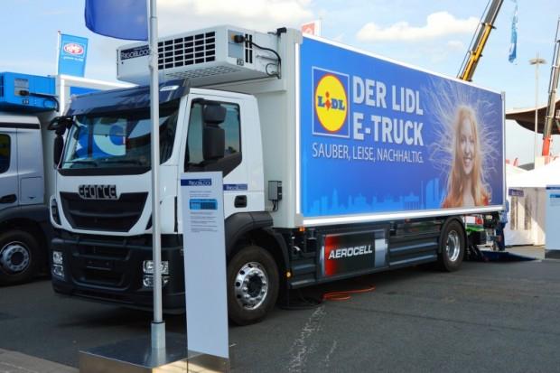 Lidl testet seit Herbst 2014 in Berlin die Filialbelieferung mit elektrisch betriebenen Lkw des Schweizer Herstellers E-Force One. (Wikipedia-Nutzer Spielvogel/CC0)