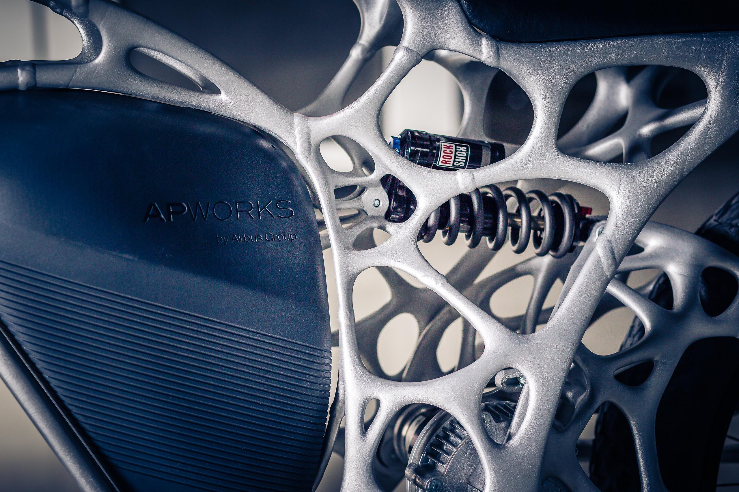 Light Rider: Airbus-Tochter baut E-Motorrad aus dem 3D-Drucker - Die komplexe Struktur des Rahmens wurde mit einem 3D-Drucker hergestellt. (Foto: APWorks)