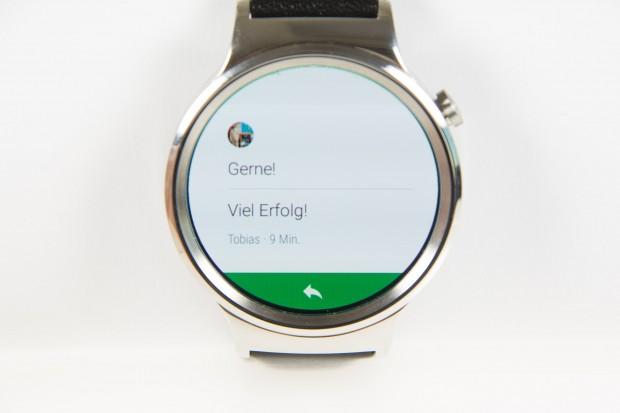 Android Wear 2.0 bietet mehr Platz für  Text in Nachrichten. (Bild: Martin Wolf/Golem.de)