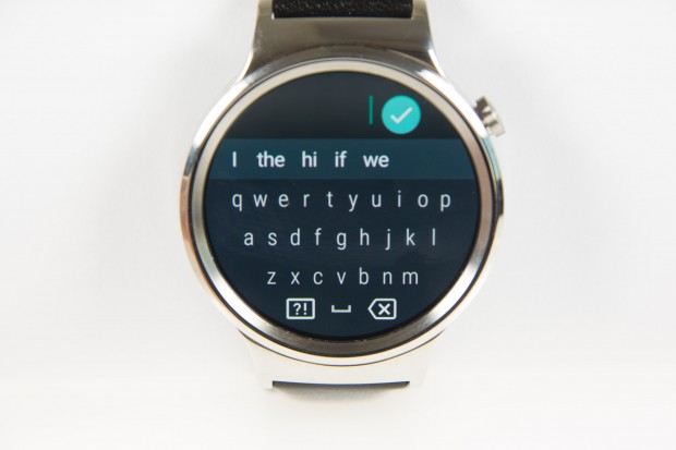 Mit Android Wear 2.0 gibt es eine Bildschirmtastatur. (Bild: Martin Wolf/Golem.de)