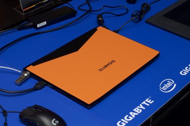 Neben auffälligen Farben wie dieses Orange ... (Foto: Andreas Sebayang/Golem.de)