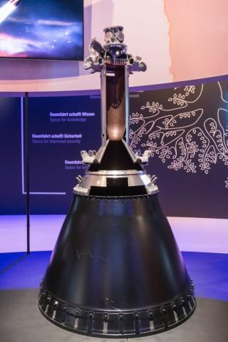 Das Vinci-Triebwerk. Ein sehr effizientes Wasserstofftriebwerk, das die Oberstufe der Ariane 6 antreiben soll. (Foto: Werner Pluta/Golem.de)