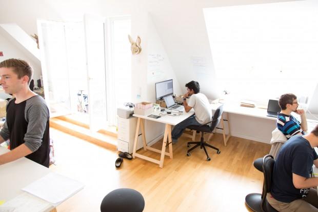 Die Softwareentwicklung erfolgt im Büro von Senic, nur wenige Minuten von der Werkstatt entfernt. (Bild: Martin Wolf/Golem.de)