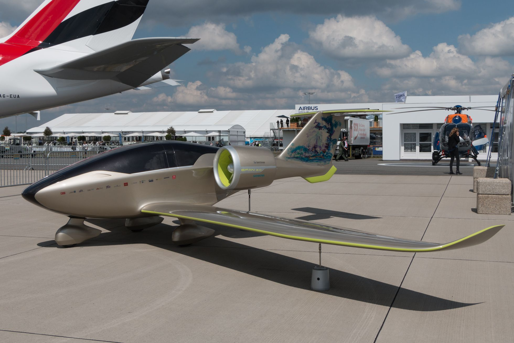 Luftfahrt: Drohnen, Schwerelosigkeit und ein Flieger aus dem 3D-Drucker - Experimentell: der Elektroflieger E-Fan.... (Foto: Werner Pluta/Golem.de)D