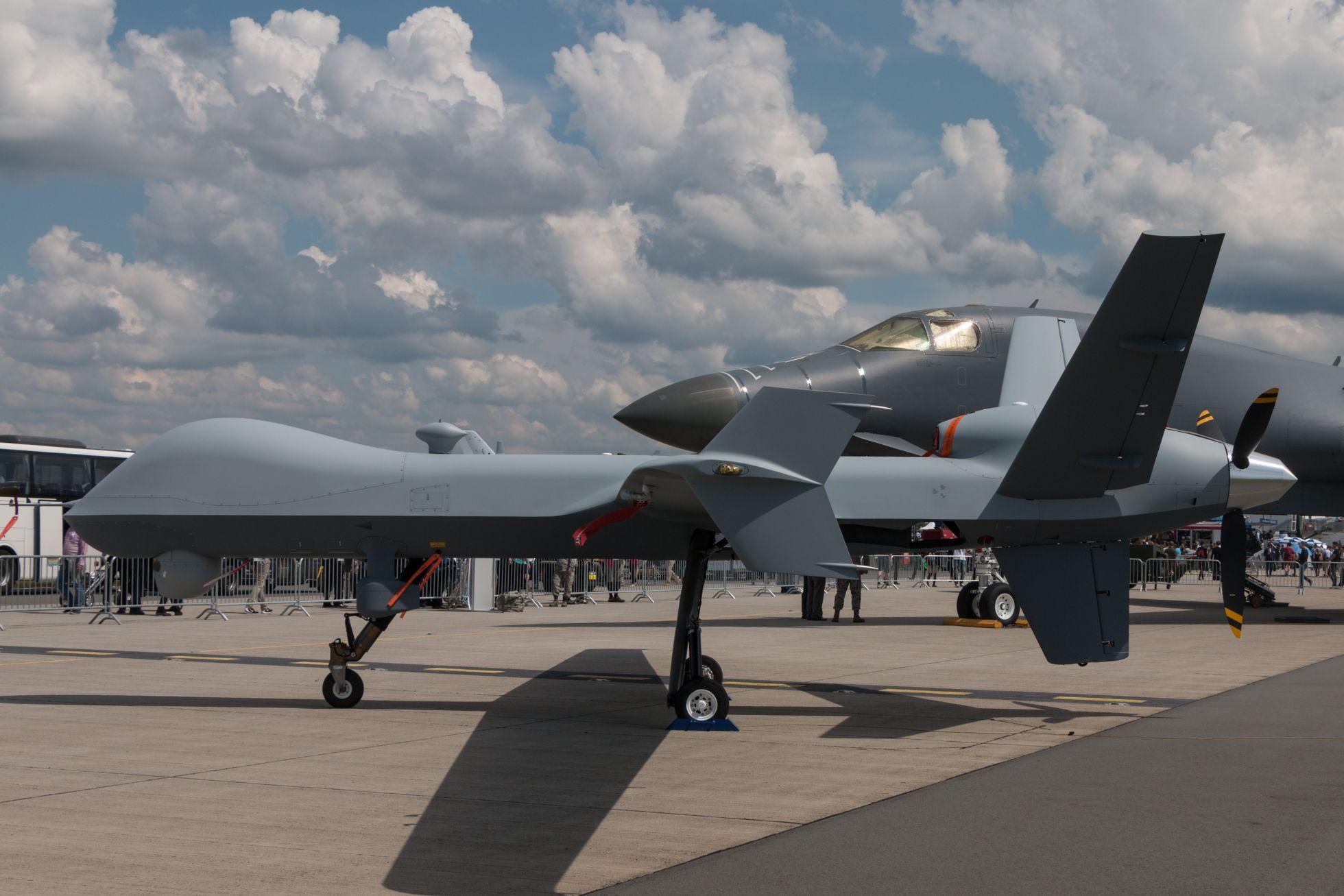 Luftfahrt: Drohnen, Schwerelosigkeit und ein Flieger aus dem 3D-Drucker - ... aber auch die Kampfdrohne Reaper. (Foto: Werner Pluta/Golem.de)