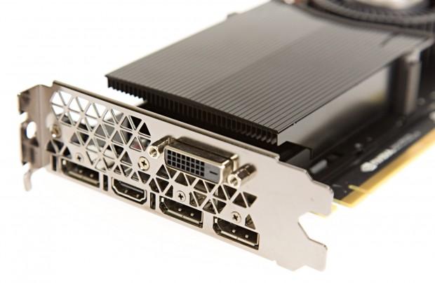 Drei Displayports 1.3, ein Dual-Link-DVI und ein HDMI-2.0b (Foto: Martin Wolf/Golem.de)