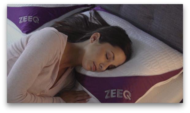 Das smarte Kissen Zeeq im Einsatz (Bild: Rem-Fit)