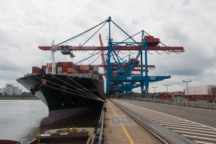 Hier können Schiffe der New-Panamax-Klasse festmachen. (Foto: Werner Pluta/Golem.de)