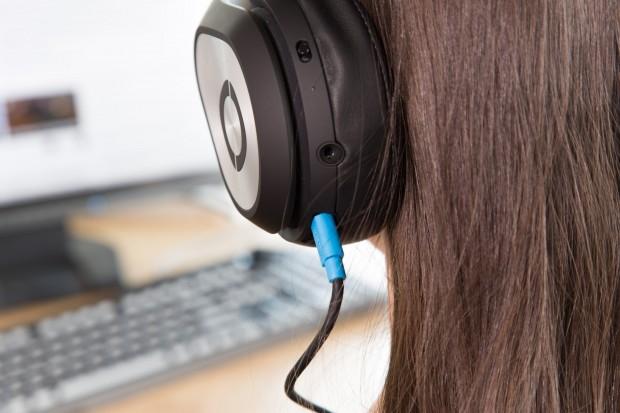 Angeschlossen wird das Glyph per HDMI. (Bild: Martin Wolf/Golem.de)