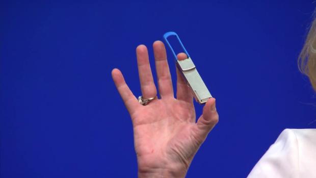 Ein Transceiver mit Silicon Photonics (Bild: Intel)