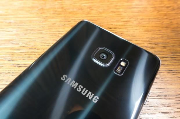 Als Kamera kommt das Modell der Galaxy-S7-Serie zum Einsatz: Der Sensor hat 12 Megapixel, die Kamera stellt sehr schnell scharf. (Bild: Tobias Költzsch/Golem.de)