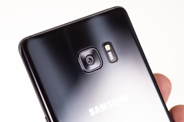 Als Kamera kommt das gleiche Modell wie bei den aktuellen Galaxy-S7-Modellen zum Einsatz. (Bild: Tobias Költzsch/Golem.de)