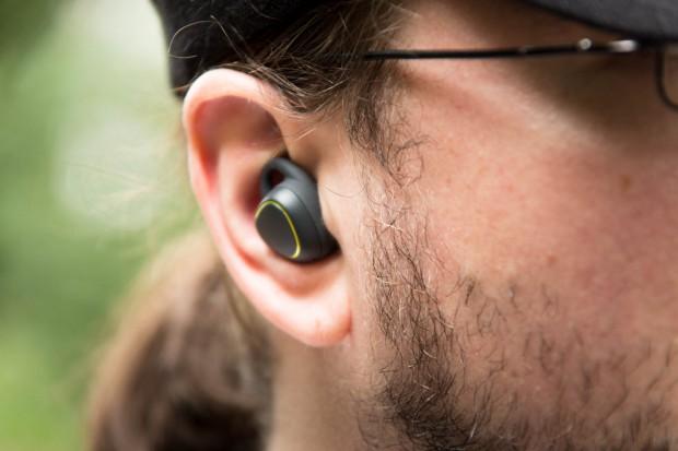 In unserem Test saßen die Gear IconX immer fest im Ohr. (Bild: Martin Wolf/Golem.de)
