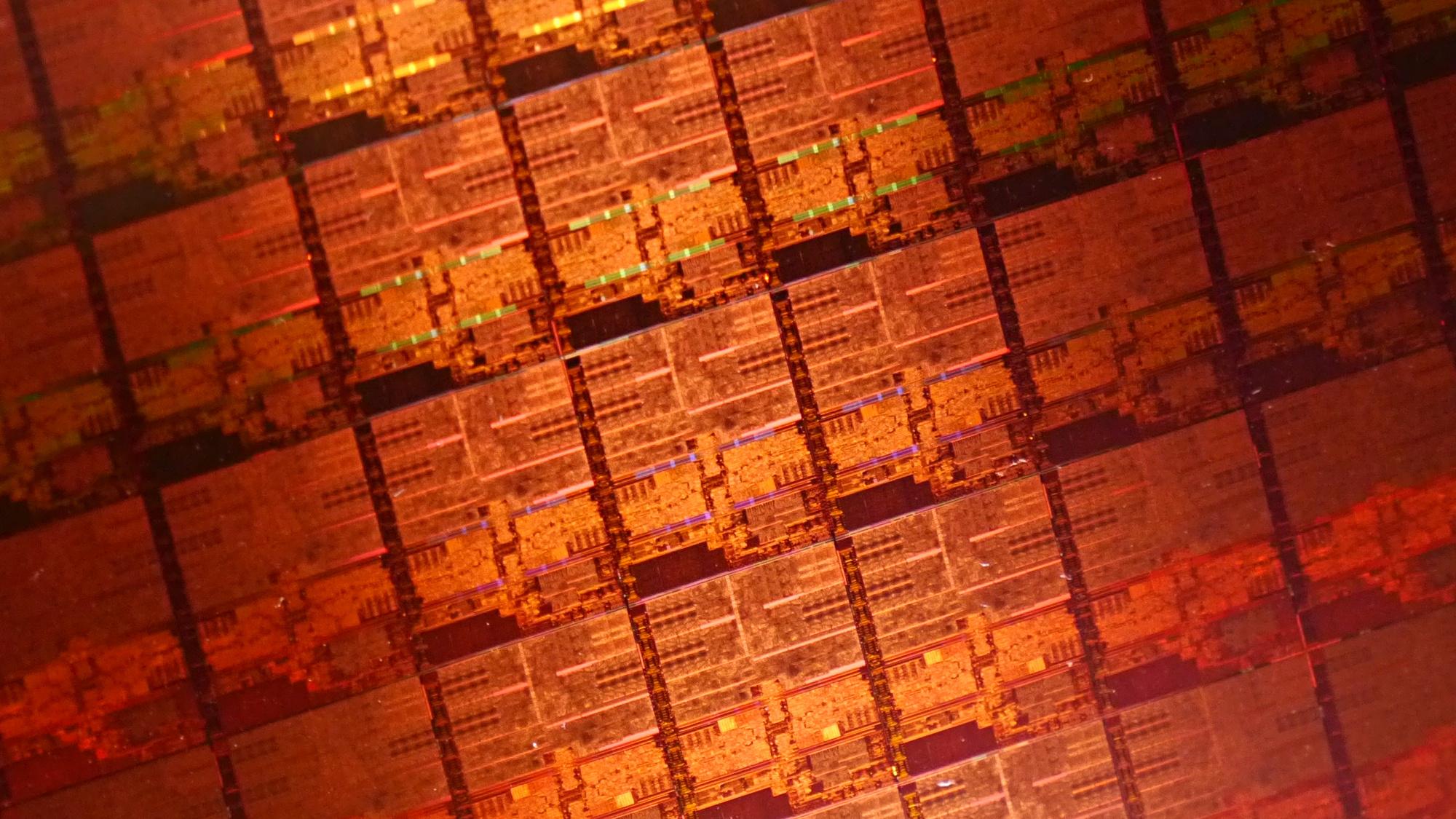Kaby Lake: Intel stellt neue Chips für Mini-PCs und Ultrabooks vor - Wafer mit Kaby-Lake-Y/U-Dies (Foto: Marc Sauter/Golem.de)