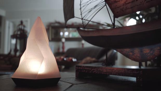 Die Peak-Lampe soll Nutzern bei der Bewältigung selbstgesteckter Ziele helfen. (Bild: Peak)