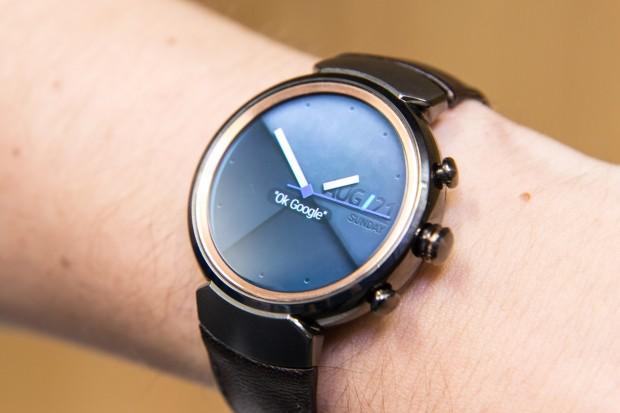 Die neue Zenwatch ist die erste runde Smartwatch von Asus. (Bild: Martin Wolf/Golem.de)