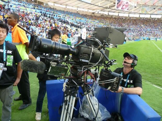 NHK ist mit mehreren 8K-UHD-2-Kameras dabei. Seit dem 1. August werden Programme in 4K und 8K testweise via Satellit ausgestrahlt. (Foto: HBS/Infront)