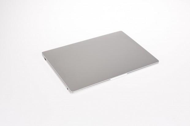 Das Mi Notebook Air im zugeklappten Zustand. (Bild: Martin Wolf/Golem.de)