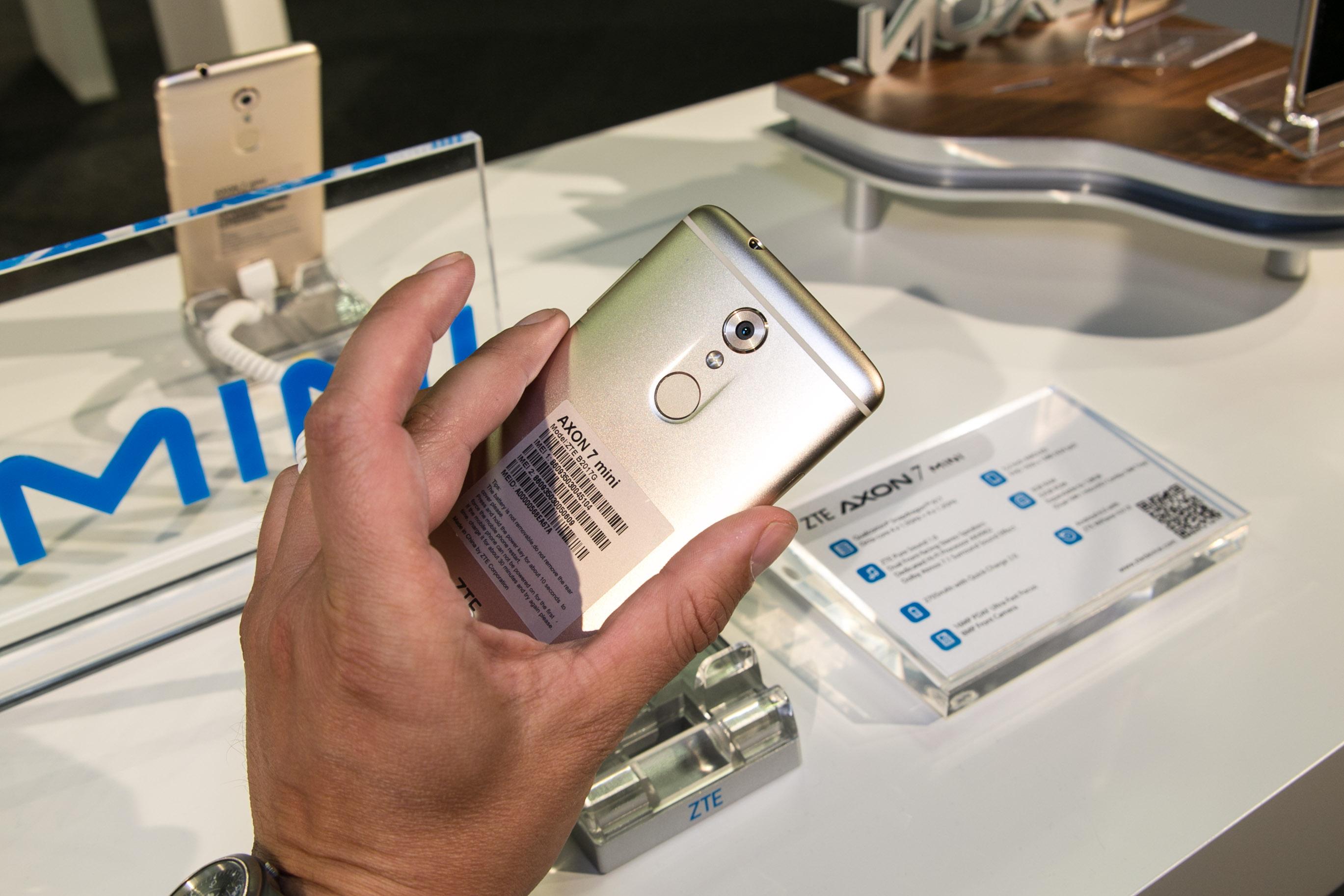Axon 7 Mini: ZTE stellt Mini-Version seines Topgerätes für 300 Euro vor -