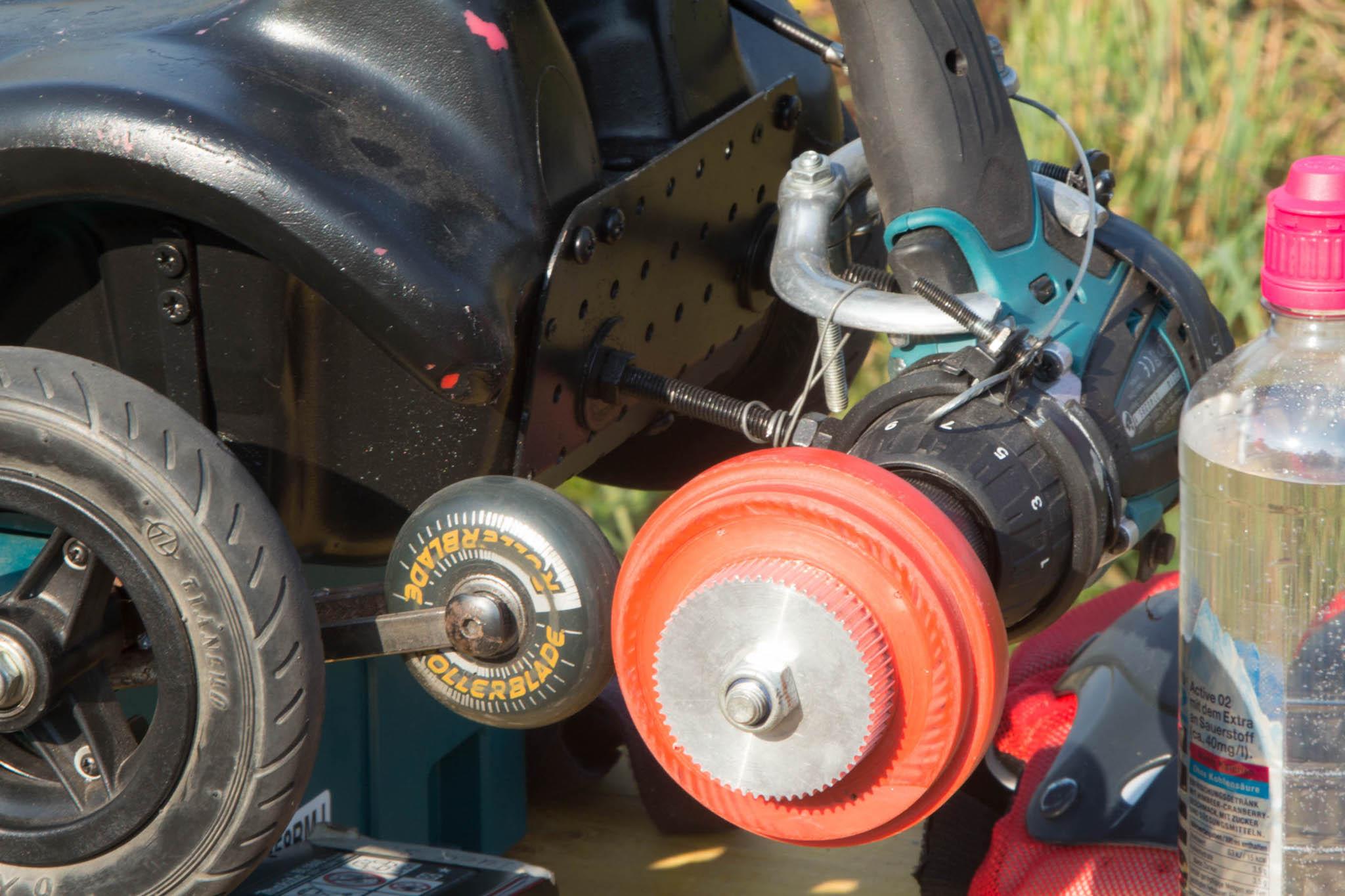 Bobbycar extrem: Gas geben mit der Fahrradbremse -