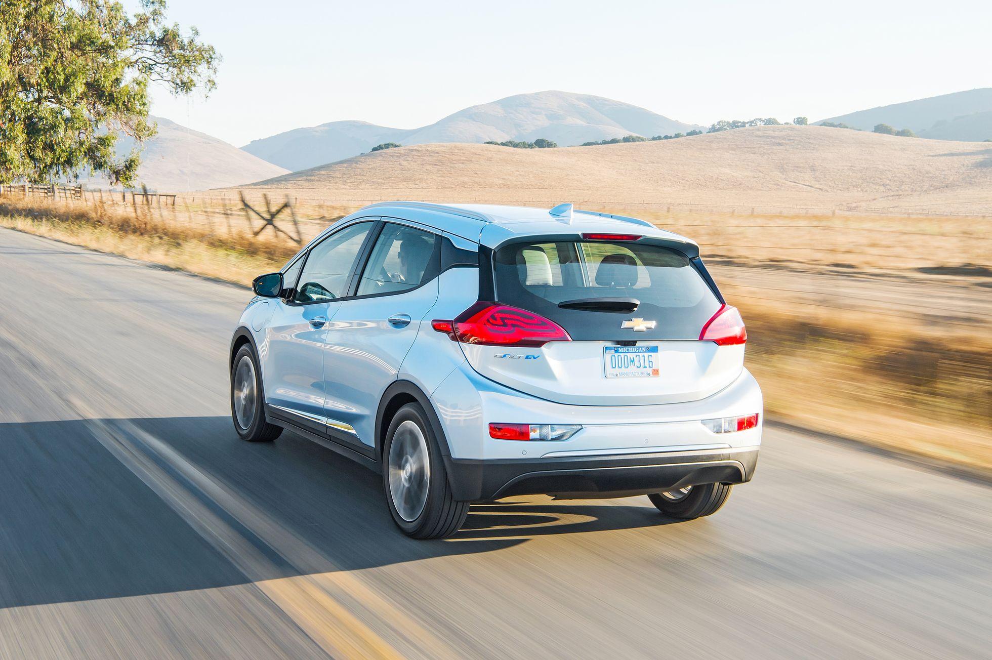 Elektroauto: Der Chevy Bolt ist erschwinglich und fährt weit - Der Chevy Bolt soll Ende 2016 in den Handel kommen. (Foto: GM)