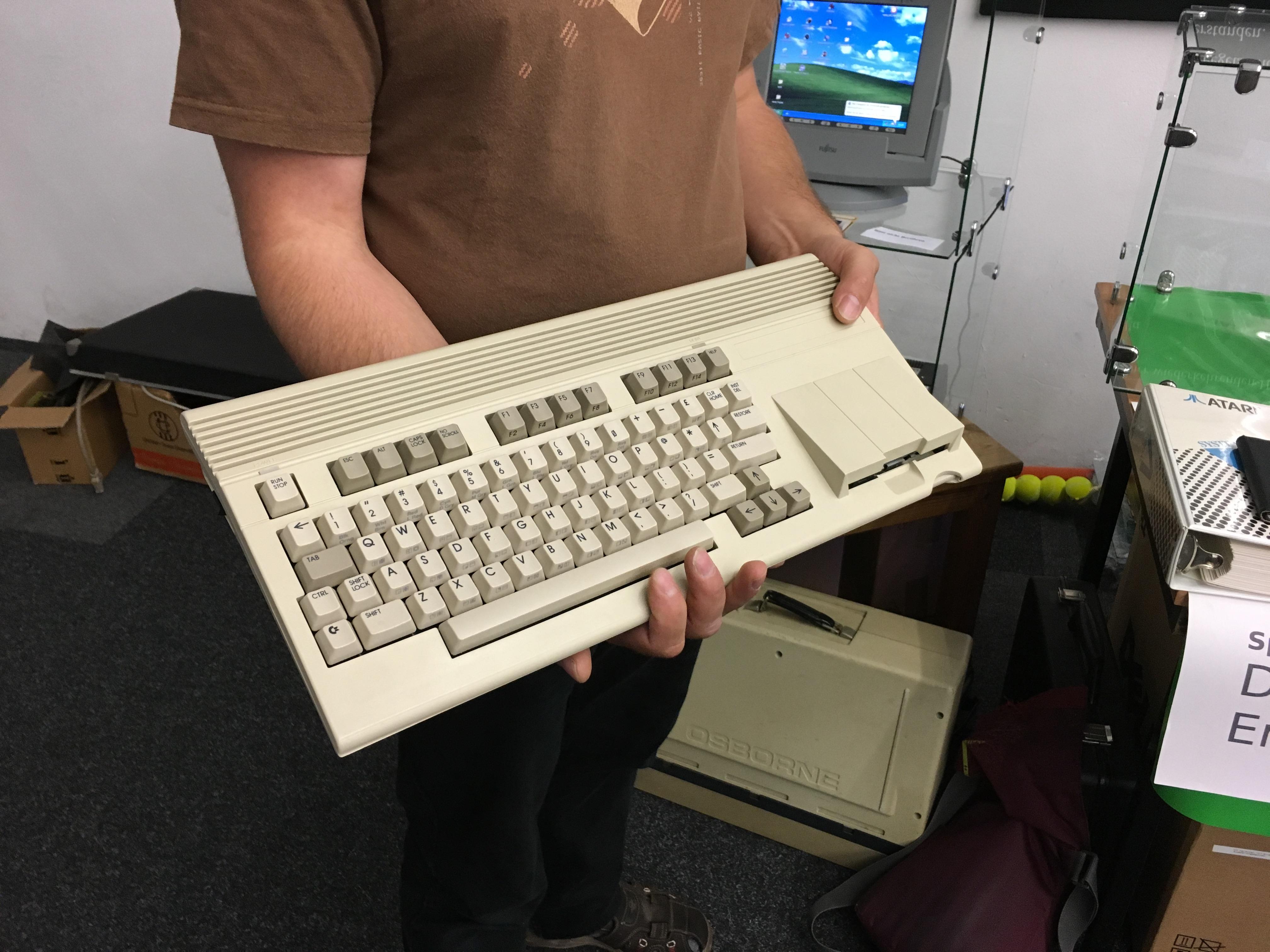 Classic Computing 2016: Wie Nordhorn für ein Wochenende zu Nerdhome wurde - Ein ganz seltenes Exemplar: der Prototyp des C65 (Bild: Mario Keller)
