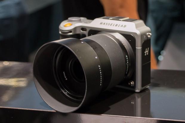 Die Hasselblad X1D ist die erste spiegellose digitale Mittelformatkamera. (Foto: Werner Pluta/Golem.de)