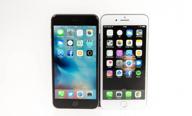 Das iPhone 7 Plus und das iPhone 6s Plus sind von vorne im direkten Vergleich nicht auseinanderzuhalten. Das iPhone 7 Plus ist auf der rechten Seite. (Bild: Martin Wolf/Golem.de)
