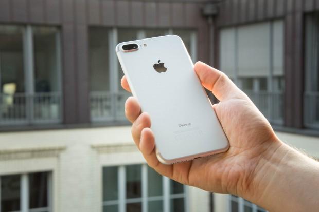 Das iPhone 7 Plus mit seiner Dual-Kamera (Bild: Martin Wolf/Golem.de)