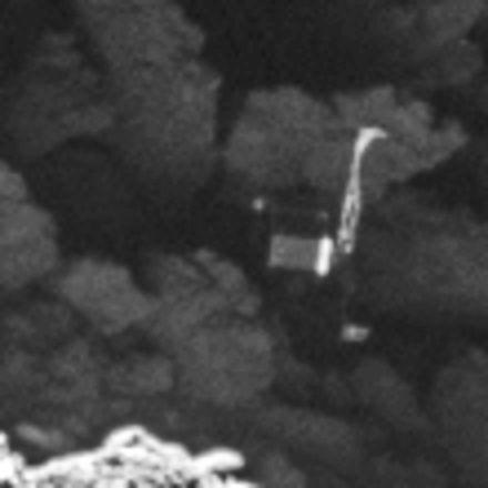 Raumfahrt: Forscher finden noch ein Bild von Rosetta - Der Lander steckt in einer Spalte fest. Dorthin war er nach der Landung gedriftet. (Bild: Esa/Rosetta/MPS for OSIRIS Team MPS/UPD/LAM/IAA/SSO/INTA/UPM/DASP/IDA)