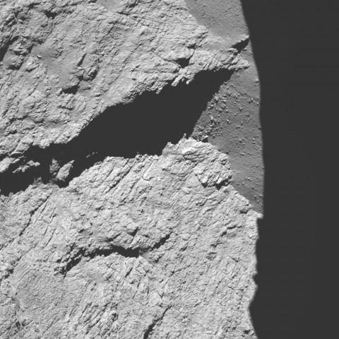 Tschuri aus knapp 12 km Höhe, aufgenommen am 30. September 2016 beim Anflug (Bild: Esa/Rosetta/MPS for OSIRIS Team MPS/UPD/LAM/IAA/SSO/INTA/UPM/DASP/IDA)