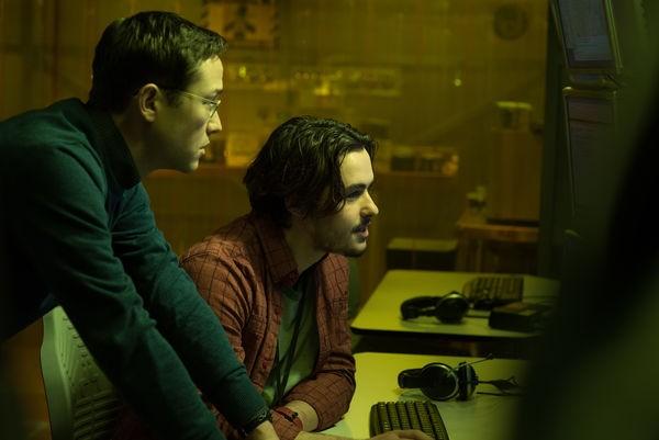 Snowden und sein Kollege Gabriel Sol (Bild: Universum Films)