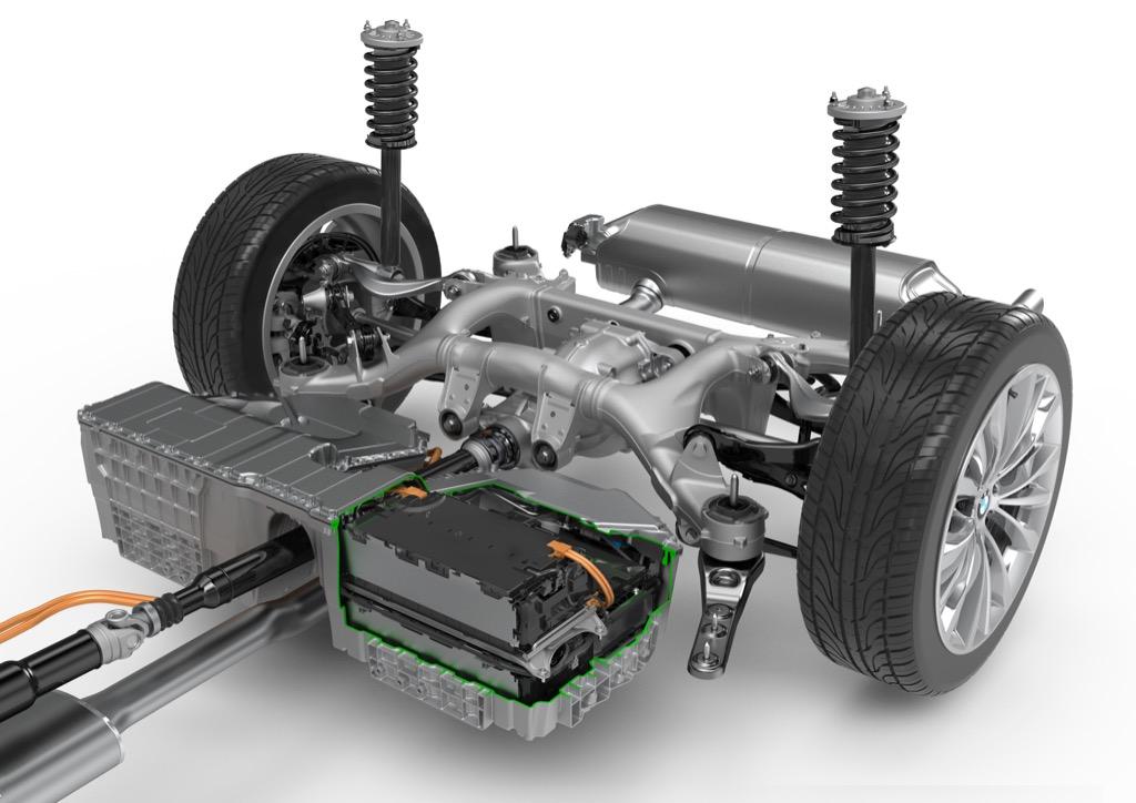 Assistenzsysteme: Neuer 5er BMW fährt ein bisschen automatisch - Hybridantrieb des 5er BMW (Bild: BMW)