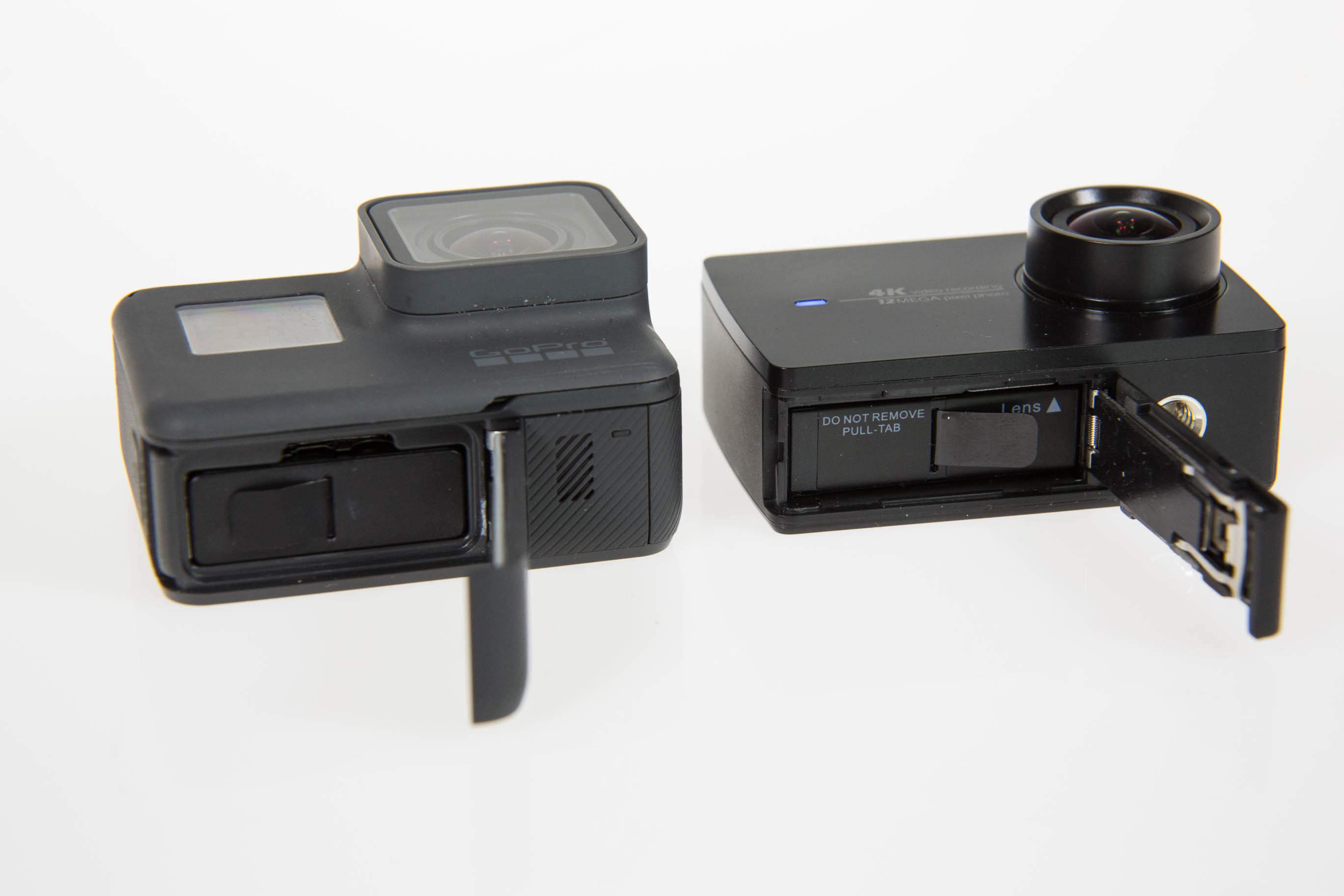 Gopro Hero 5 vs. Yi 4K Action Camera: Gute Bilder reichen nicht mehr - Der Akku ist bei beiden Kameras wechselbar. (Bild: Martin Wolf/Golem.de)