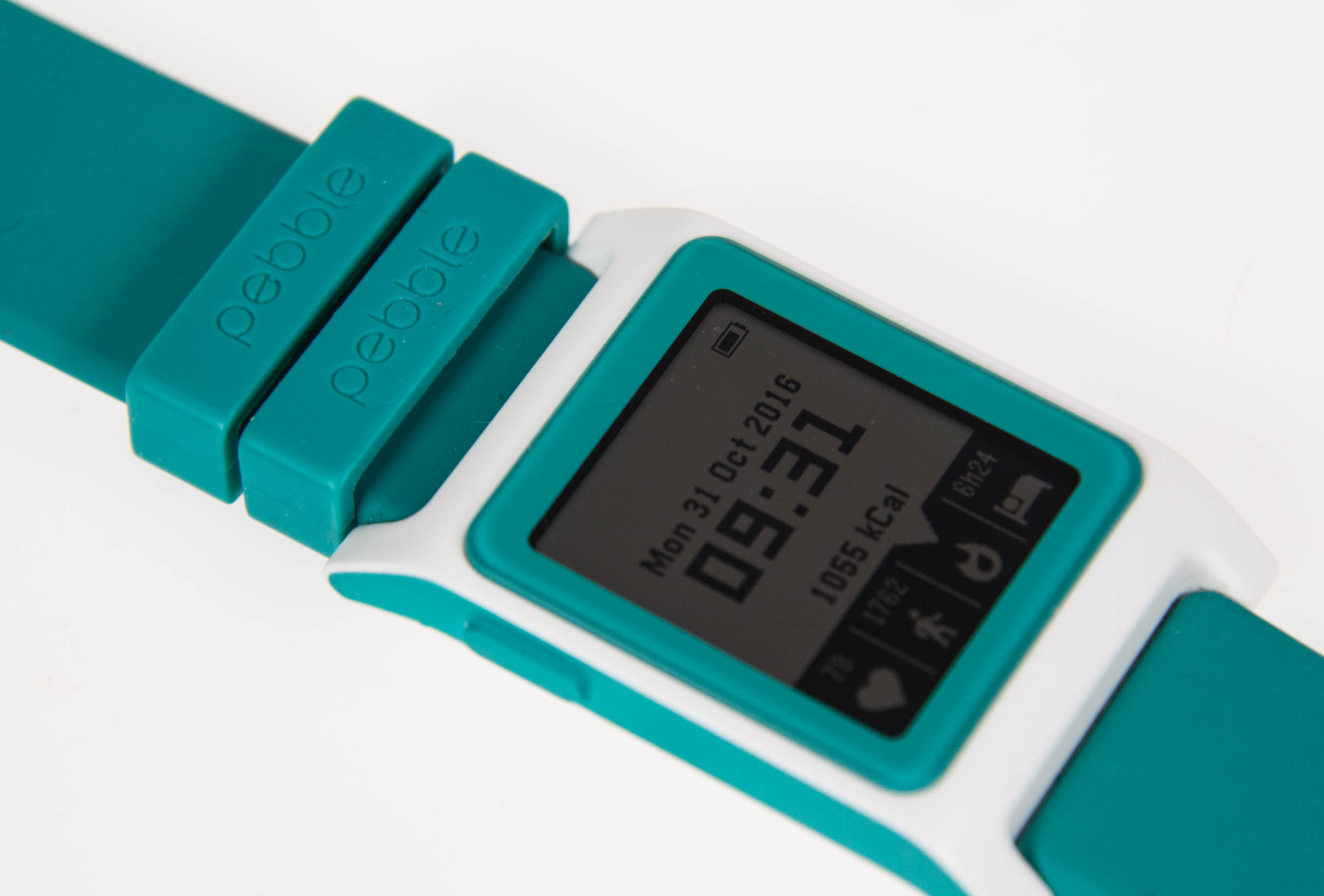 Pebble 2 im Test: Die Always-on-Smartwatch mit Charme -