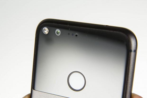 Die Kamera auf der Rückseite hat eine Auflösung von 12,3 Megapixeln und bietet eine gute Bildqualität. (Bild: Martin Wolf/Golem.de)