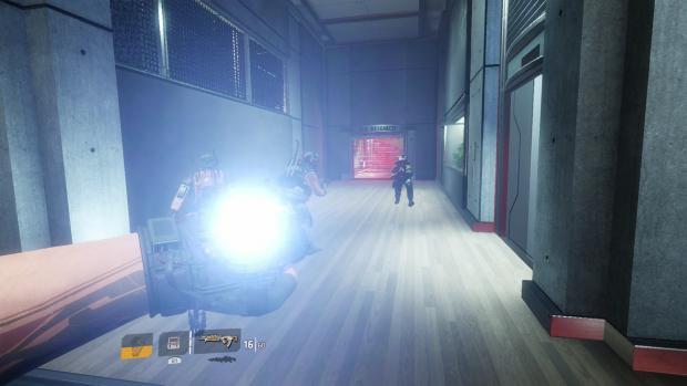 Mit dem Zeitverschieben sieht der Gang noch ganz okay aus. (Screenshot PS4: Golem.de)