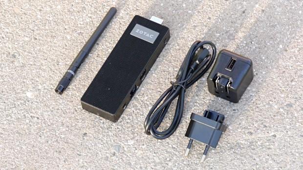Zubehör, im Bild fehlen das HDMI-Kabel und der UK-Adapter (Foto: Marc Sauter/Golem.de)