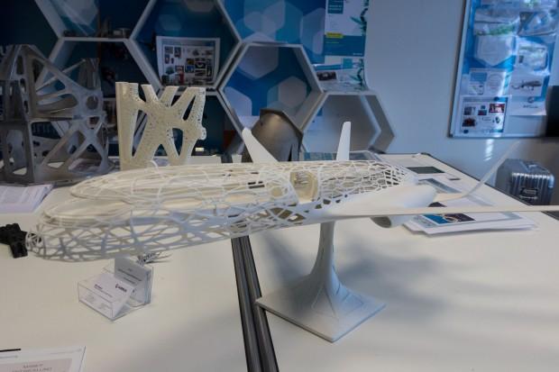 So soll die Zukunft aussehen: Am Concept Plane zeigt Airbus, ... (Foto: Werner Pluta/Golem.de)