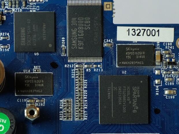 Der FPGA sitzt rechts unten (Bild: Christer Weinigel)