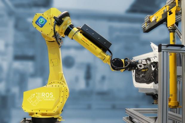 Fanuc-Industrieroboter auf der Automatica 2016 mit ROS (Bild: FZI)