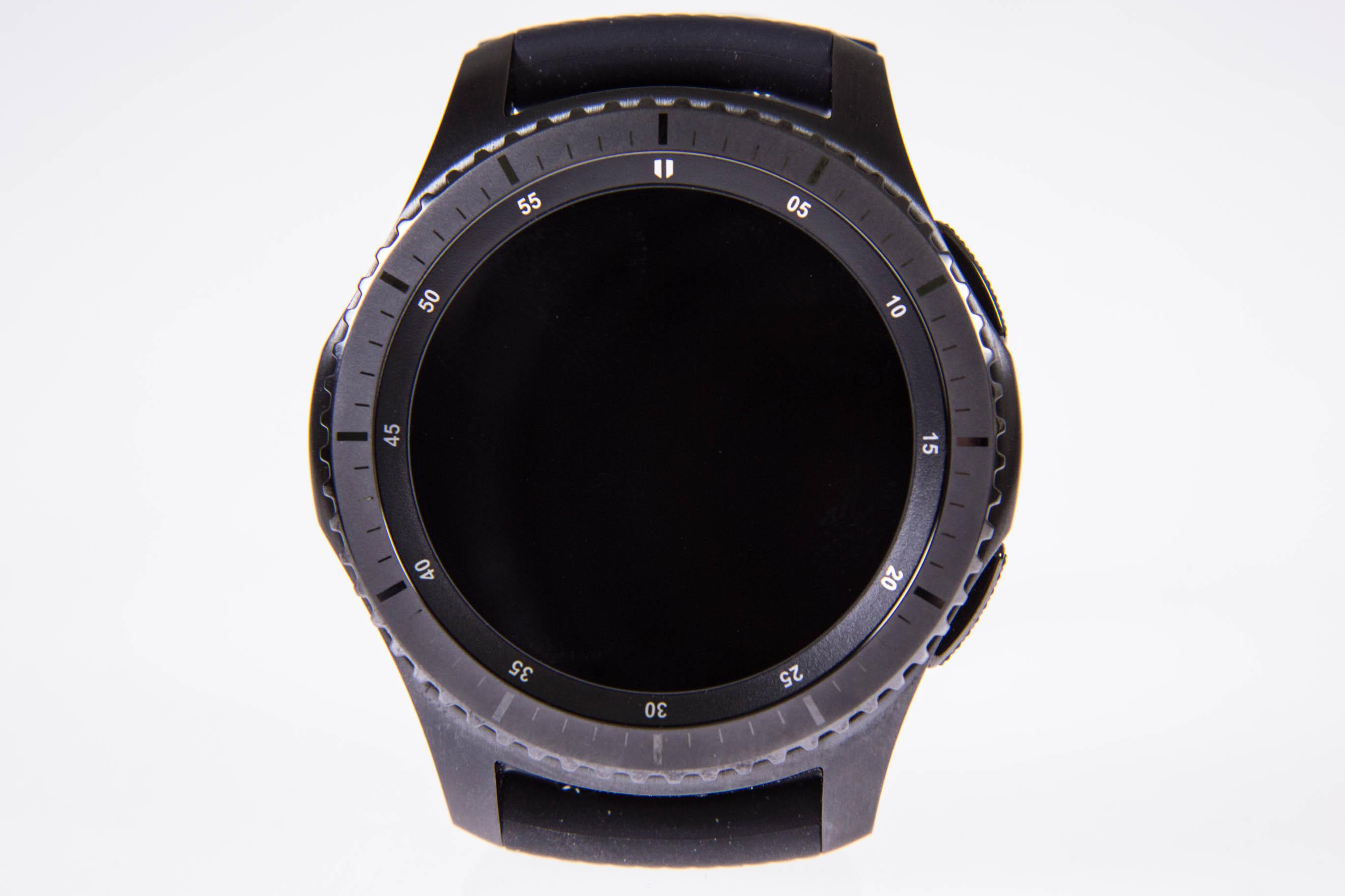 Gear S3 im Test: Großes Display, großer Akku, große Uhr - Das Display der Gear S3 ...