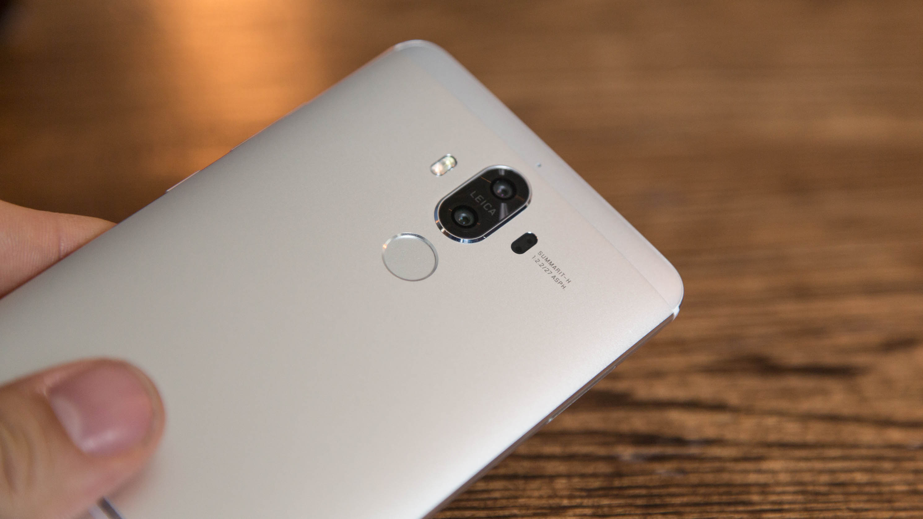 Mate 9 im Hands On: Huaweis neues Mate mit doppelter Kamera kostet 700 Euro -