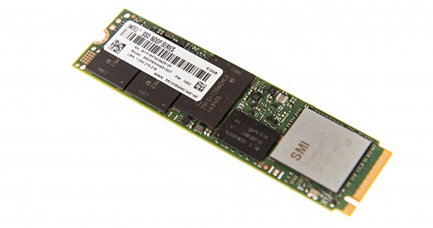 Intel nutzt drei Flash-Packages und einen SMI-Controller (Foto: Martin Wolf/Golem.de)