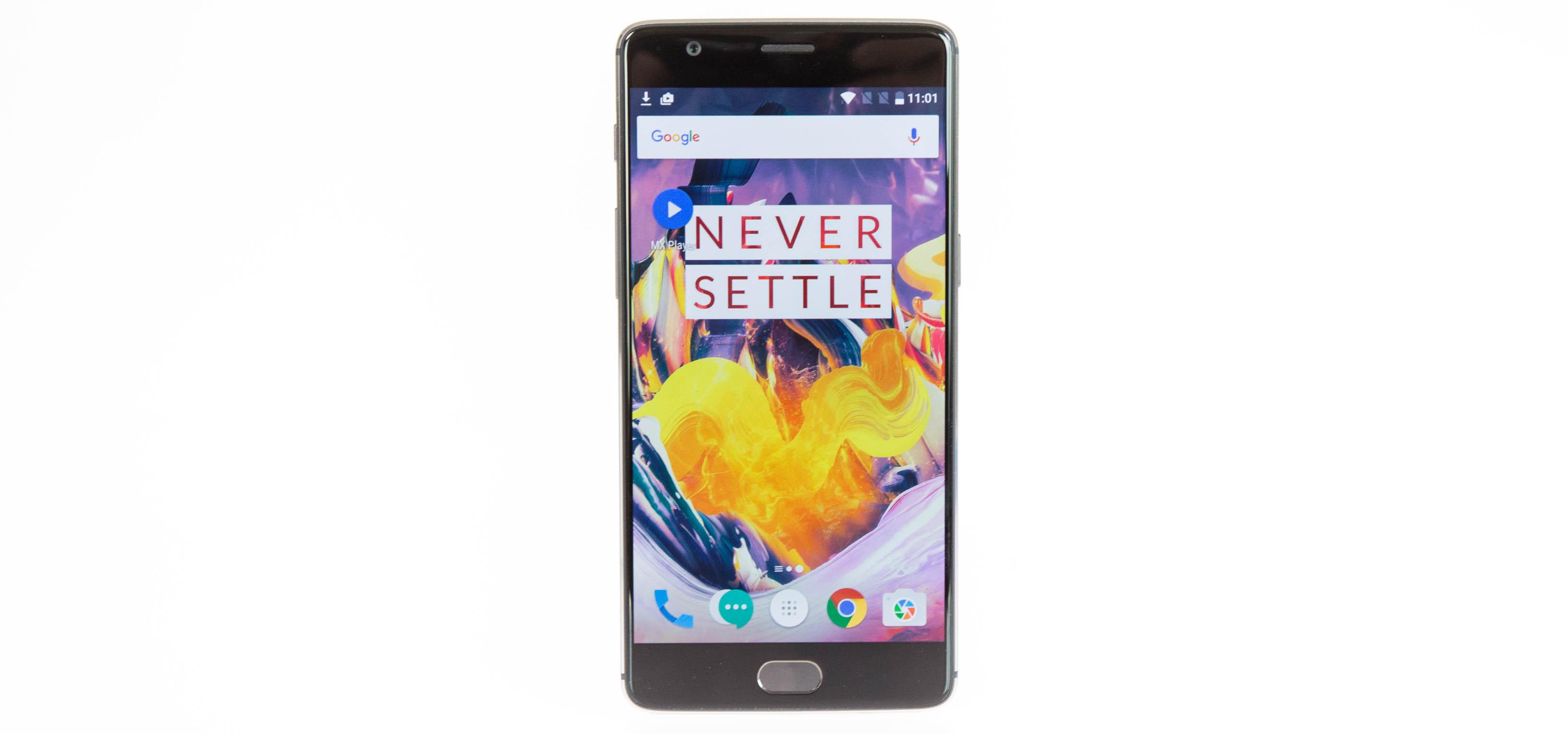 Smartphone: Oneplus 3T mit 128 GByte wird nicht zu Weihnachten geliefert - Das neue 3T von Oneplus (Bild: Martin Wolf/Golem.de)