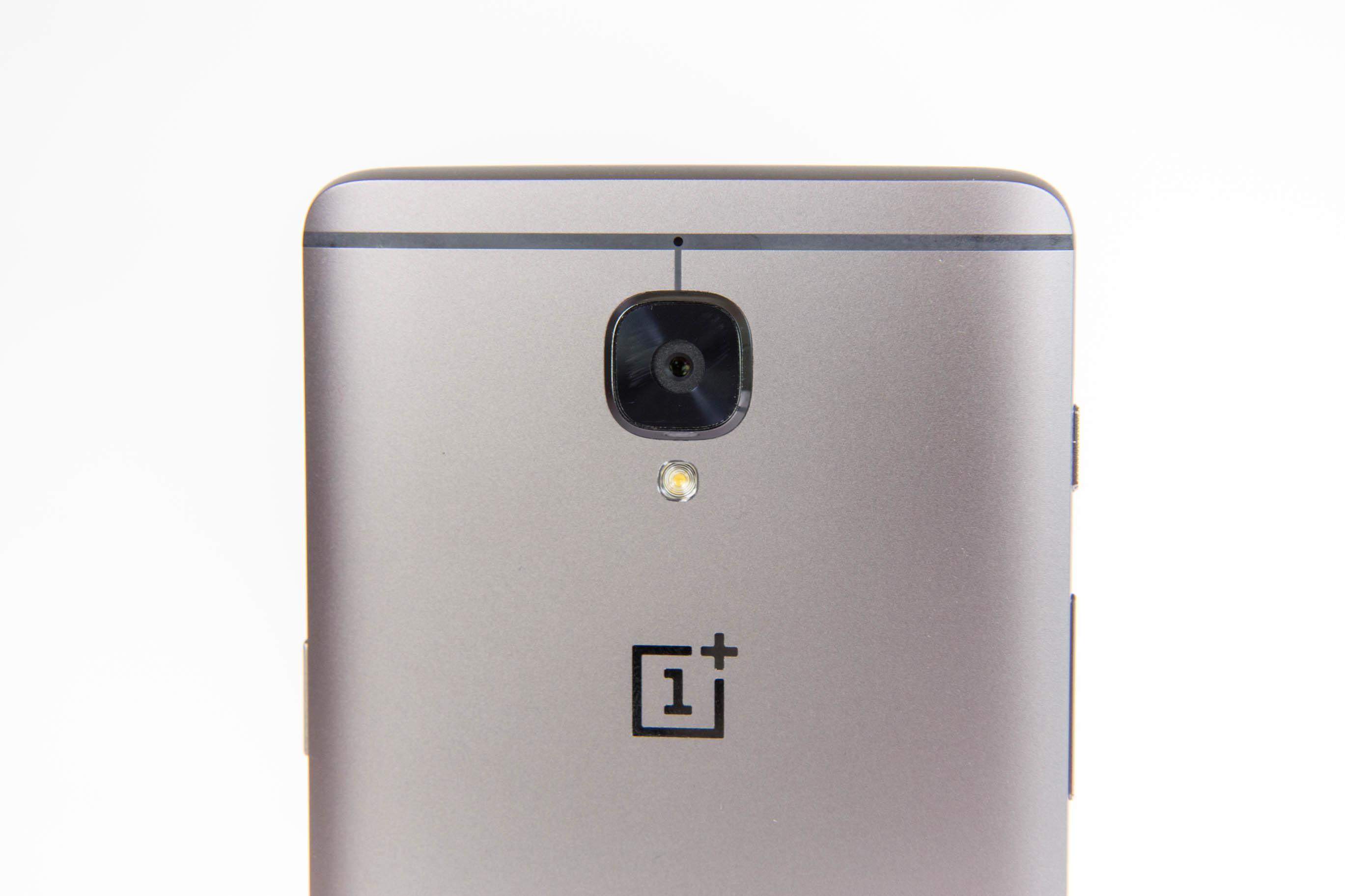 Smartphone: Oneplus 3T mit 128 GByte wird nicht zu Weihnachten geliefert - Als Hauptkamera kommt wieder ein 16-Megapixel-Modell zum Einsatz. (Bild: Martin Wolf/Golem.de)